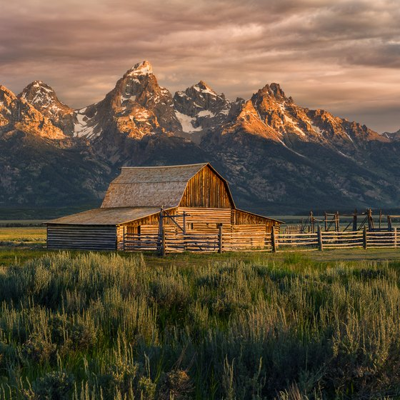 Places to Stay Between Yellowstone National Park & Grand Teton