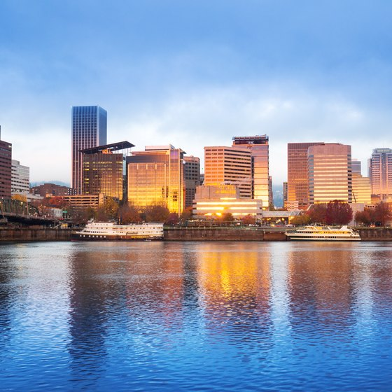 Boat Tours on the Willamette River in Portland, Oregon