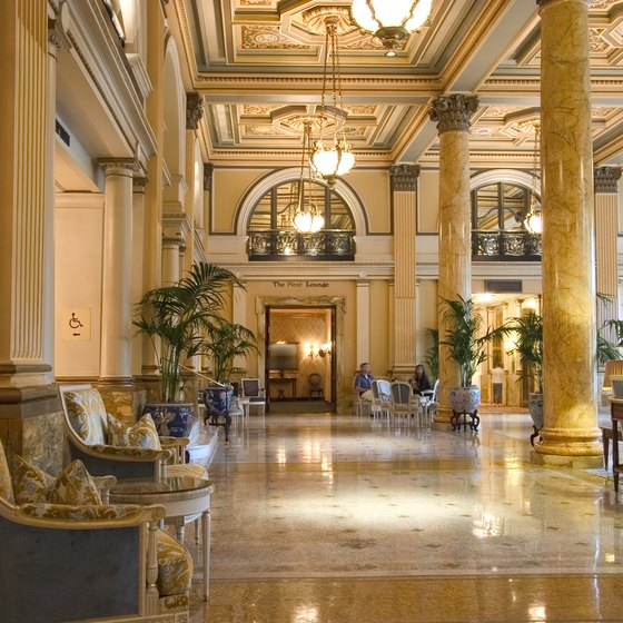 Top 10 luxury hotel chains usa today for Small luxury hotel chains
