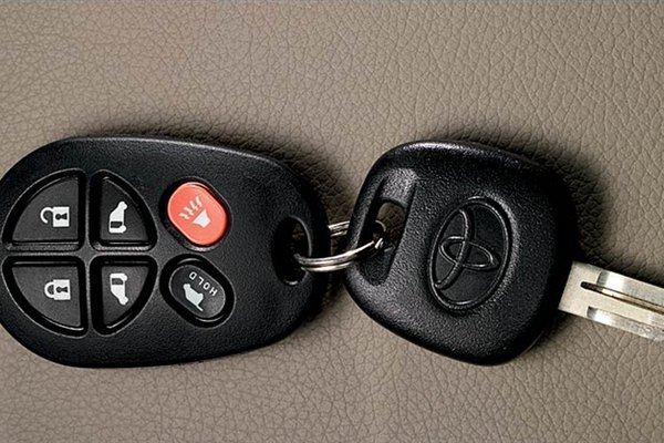 Toyota Remote Start Cost >> How to program a Toyota keyless entry remote fob | It Still Runs | Your Ultimate Older Auto Resource