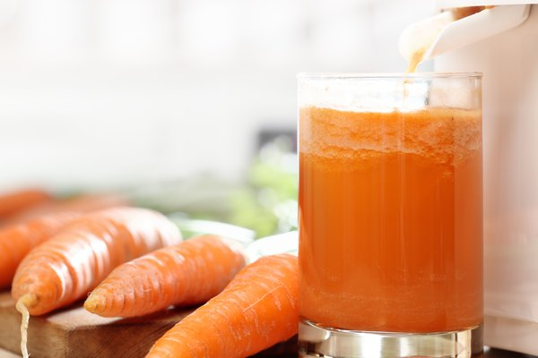 Juicer and carrot juice