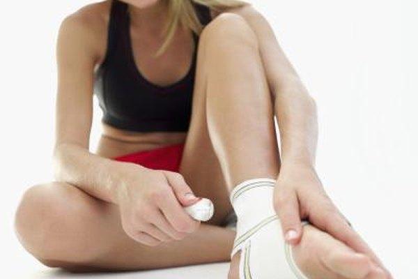 Как лечить подвёрнутую ногу в домашних условиях
