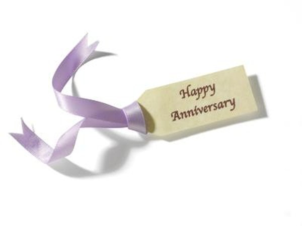 Happy Anniversary gift tag.