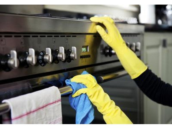Oven handle getting cleaned