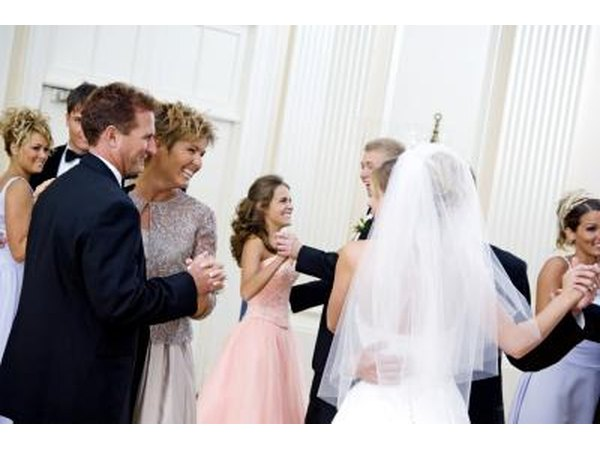 Groom Dances With Mother Etiquette (with Pictures)