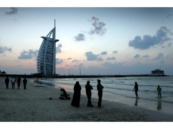 Rules for unmarried couples staying in dubai hotels ehow for Best hotels in dubai for couples