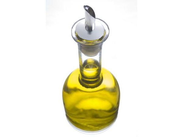 Olive oil has numerous health benefits, and is a good source of quercetin.