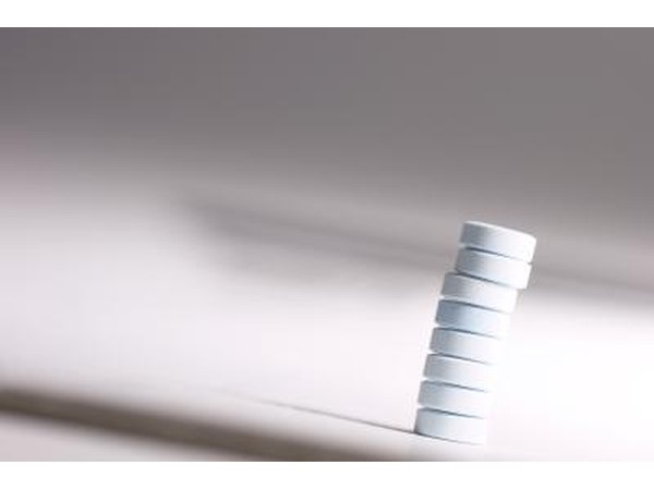 Stack of acetaminophen tablets.