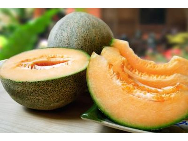 cantaloupe can also help reduce stomach acid