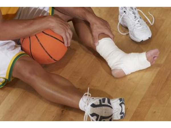 Conditions That Cause Foot, Ankle & Leg Swelling