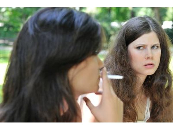 disadvantages smoking Advantages and disadvantages of smoking-----smoking is a bad habit widespread among teenagersit contains dangerous items.