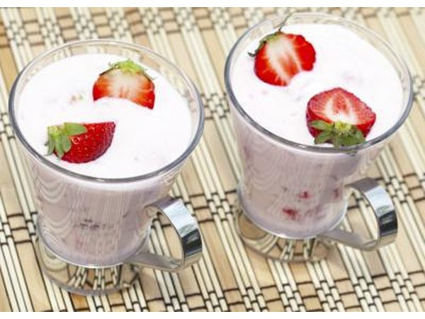 protein drinks with strawberries