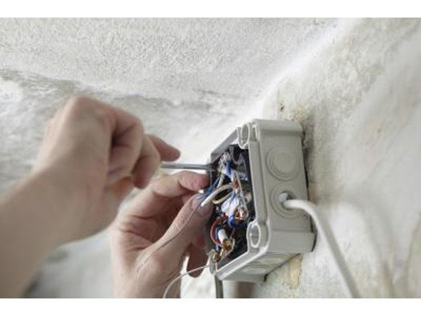 how to get an electrical apprenticeship