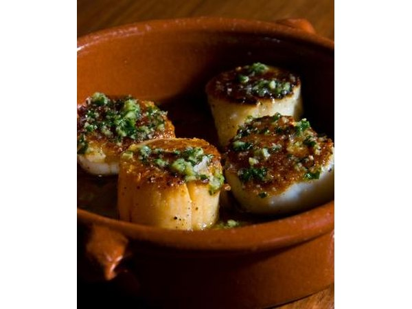 Seared scallops with chives