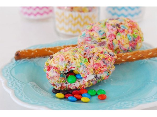 How to Make Cookie Maracas