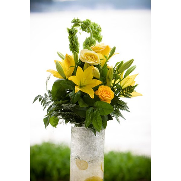 September weddings come with a wide selection of flower ideas.