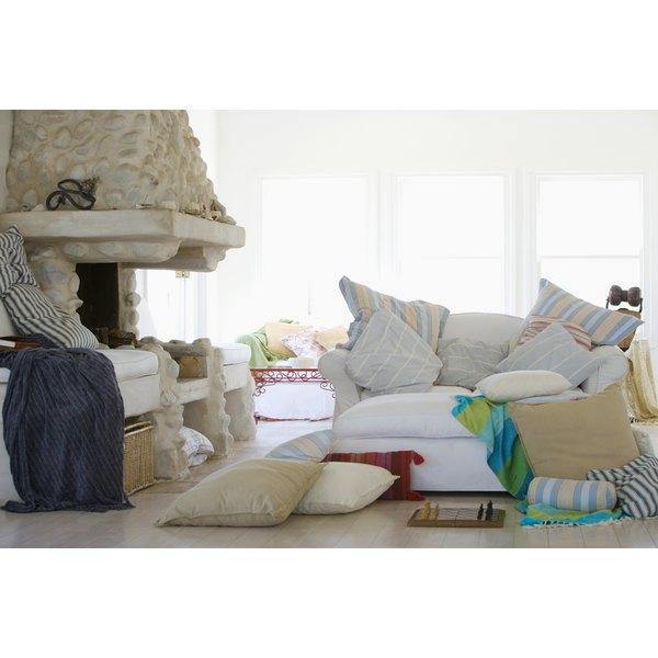 Messy Living Room: Messy Room & Depression