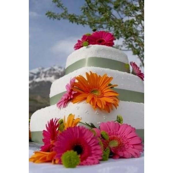 Cake Decorating Artificial Flowers : How to Decorate a Wedding Cake Using Artificial Flowers ...