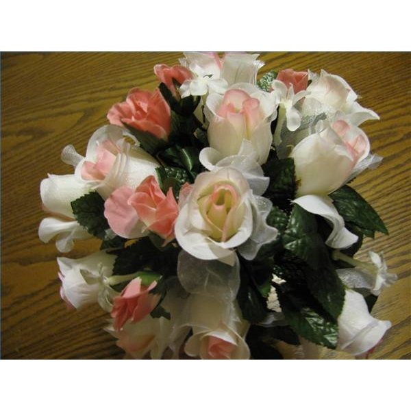 Making A Wedding Bouquet With Silk Flowers: How To Make A Wedding Bouquet With Silk Flowers