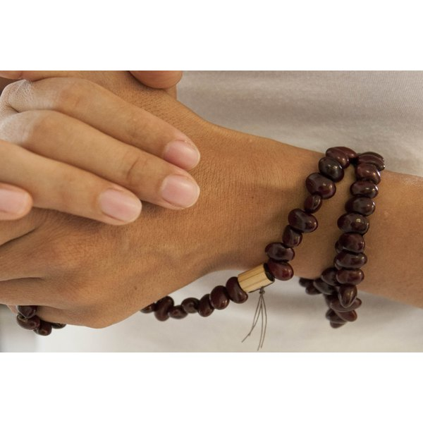 how to use buddhist prayer beads