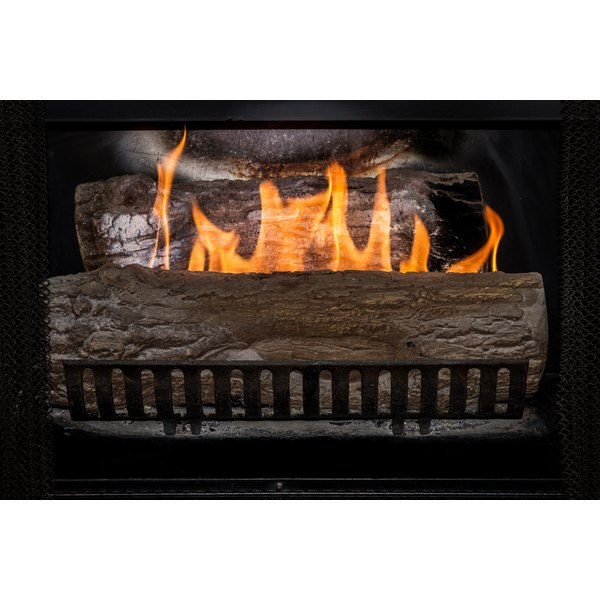 How Much Energy Does a Gas Fireplace Use? | Synonym