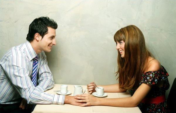 How to Tell a Woman You Like Her Romantically