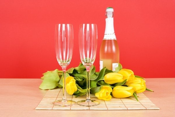 First Date Conversation Tips for Women