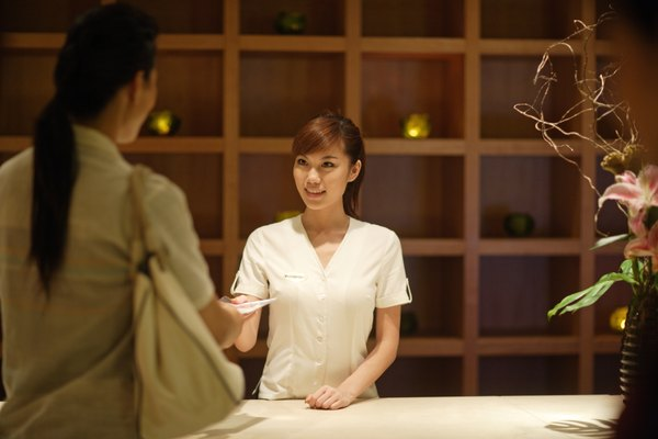 Spa Concierge Job Description Woman – Concierge Job Description