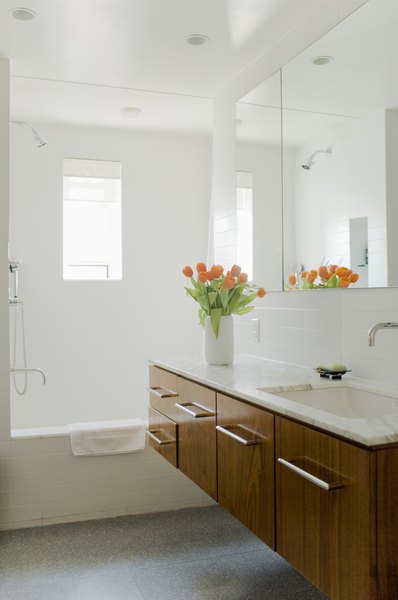 Ideas for remodeling a 5x7 bathroom budgeting money - 5x7 bathroom remodel pictures ...