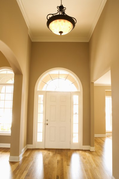 Open Foyer Window Treatments : Tips to choosing the colors for a foyer with high