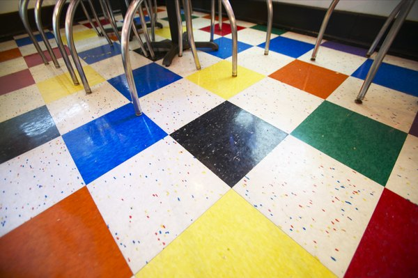 How To Design A Ceramic Tile Layout For An Entryway Using