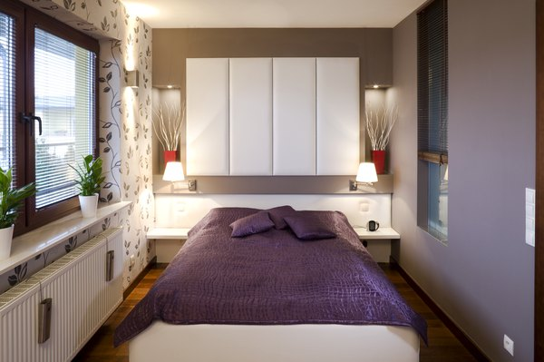 Create a Focal Point. How to Decorate Small Apartment Bedrooms on a Budget   Home Guides