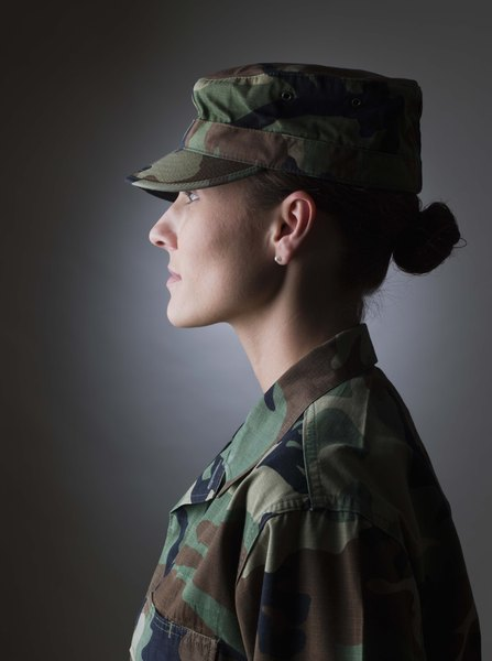 dating military women