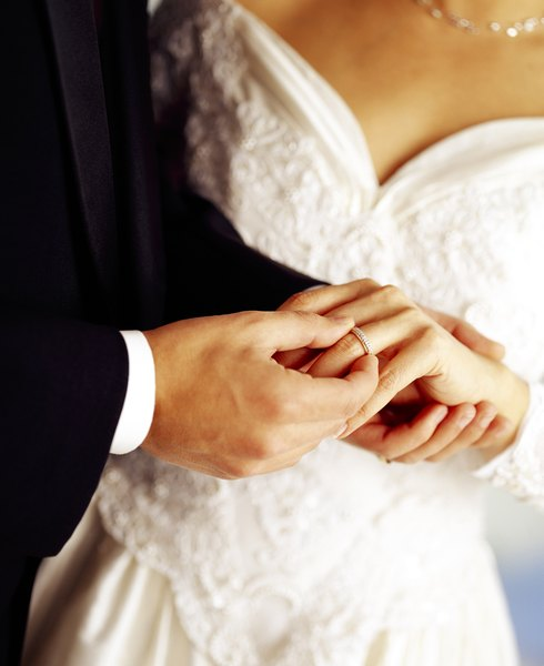 Romantic Ways to Renew Your Vows