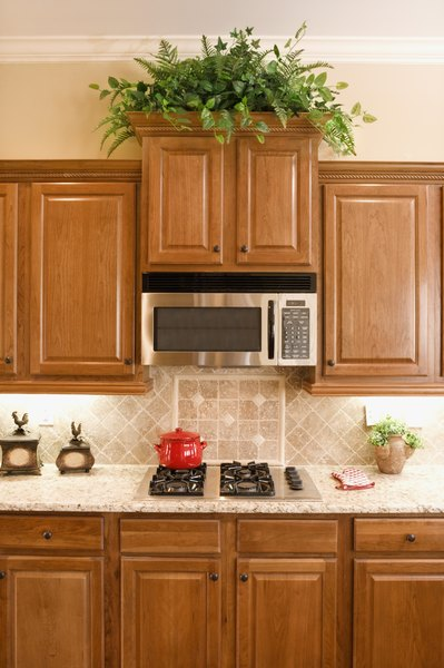 How To Decorate Above Your Kitchen Cabinets In 3 Easy