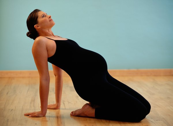 Yoga poses for pelvic floor strengthening woman for Pelvic floor yoga