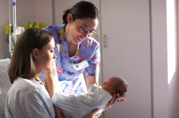 A Day in the Life of an Obstetric Nurse - Woman