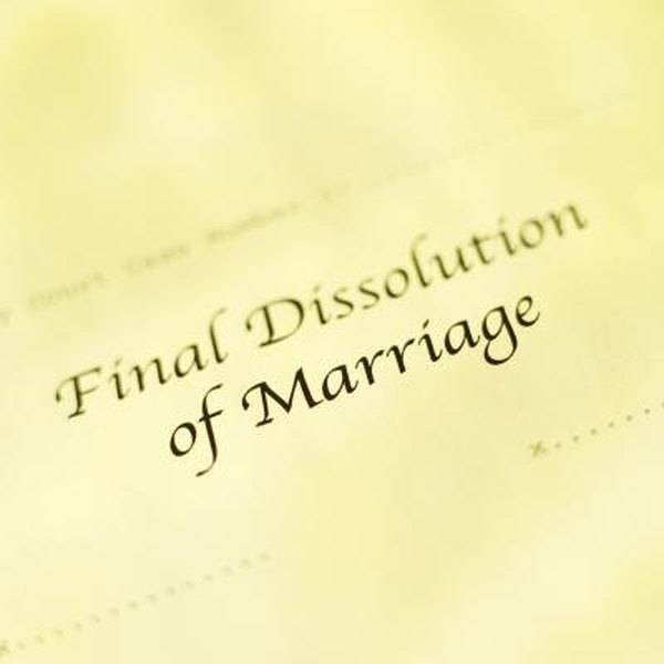 A divorce decree may include a split of federal retirement benefits.