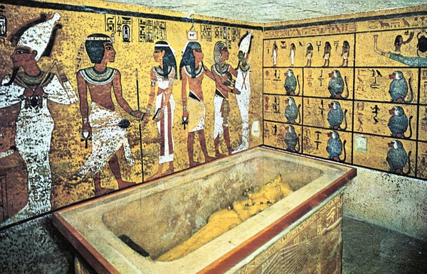 what three types of tombs were used in ancient egypt