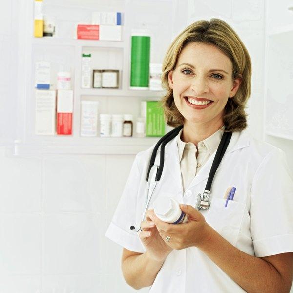 Duties of a Community Pharmacist Woman – Pharmacist Duties