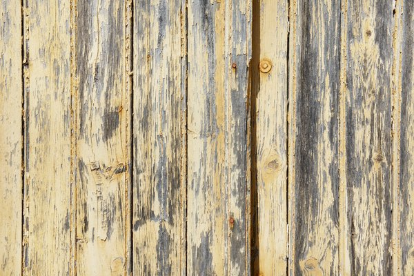 How to Make Wood Grain Disappear When Painting