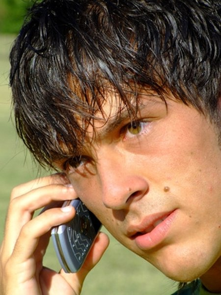 18 Interesting Things to Talk About on the Phone