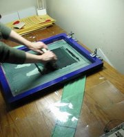Make your own silk screen t shirts ehow for Make your own screen print shirt