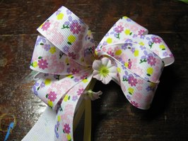 How To Make Barrette Hair Bows With a Bowdabra