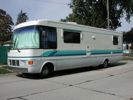 This fifteen year-old RV's shine was restored in an afternoon.
