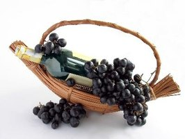 How to sell wine gift baskets from home ehow for Gifts to sell from home