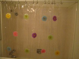 can you wash a shower curtain in the washing machine