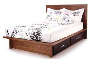 Build a Bed With Drawers