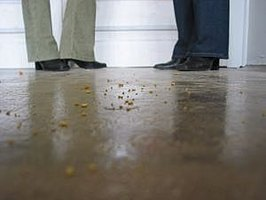 How to clean a stained concrete floor ehow for Indoor concrete cleaner
