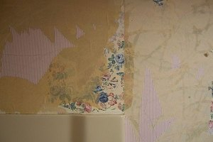 How to Remove Wallpaper Glue From Sheetrock